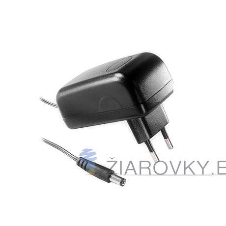 Sieťový adaptér AC/DC 12V je adaptér vysokej kvality určený do interiéru. Adaptér zabezpečuje konštantné napätie a prúd LED pásov a LED žiaroviek, čo zaručuje ich dlhú životnosť. Výborný pomer ceny a výkonu adaptéra.