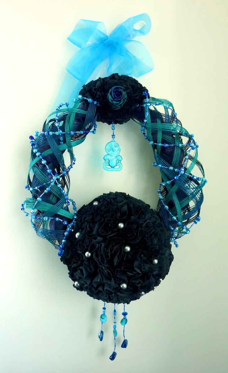 Flax Christmas Wreath by Artiflax     Made with beads, hapene, flax flowers, turquoise tiki, crepe paper and polystyrene balls <3