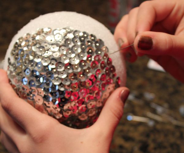 A big part of the New Year's Eve tradition every year is watching the ball drop in Times Square.  If you're looking for a fun activity for the kids leading up to New Year's Eve (w...