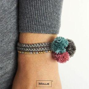 pulseira com pompom de lã