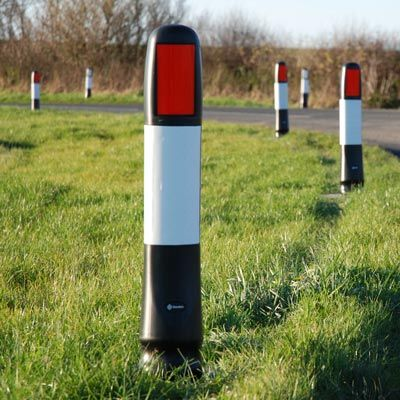 Vergemaster RX™ Marker Post is for rural roads. This passively safe marker post provides delineation, highlighting bends in roads to TSRGD 561 standard. #GlasdonUK #MarkerPost #RoadSafety #VergeMarker #HighwaysSafety