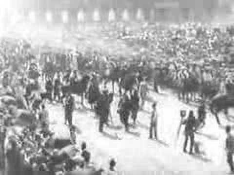 PERSONAJES: Entrada de Pancho Villa y Emiliano Zapata en la Ciudad de México el 6 de diciembre de 1914. Revolución Mexicana (1910/1920) http://www.avn.info.ve/contenido/hace-99-años-zapata-y-pancho-villa-llegaron-victoriosos-ciudad-méxico