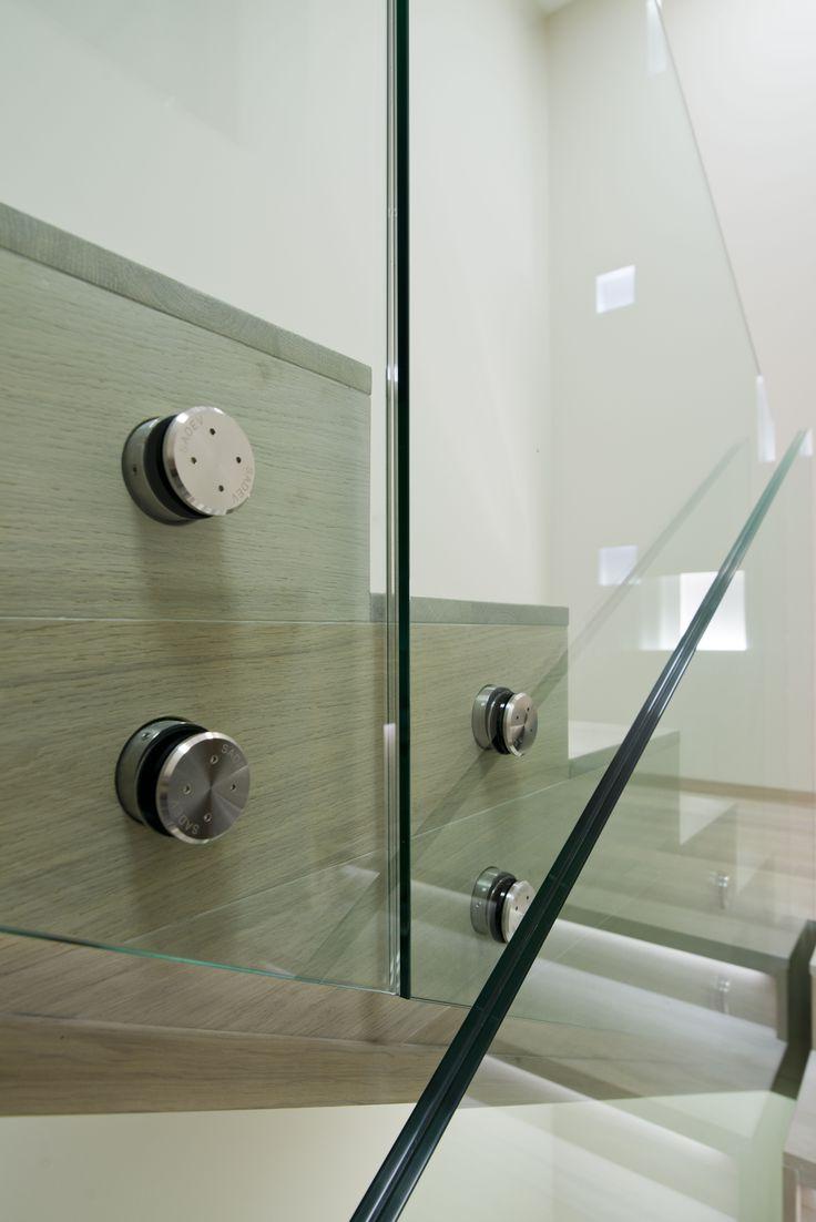 17 best ideas about escalier en verre on pinterest verre design rampe en verre and escada. Black Bedroom Furniture Sets. Home Design Ideas