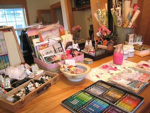 great blog about artist studios, great blog period
