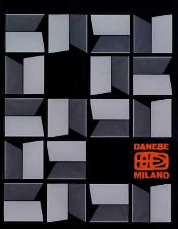 Cubo, Bruno Munari per Danese. Contenitore / posacenere in melammina. Foglio di alluminio estraibile, all'interno.
