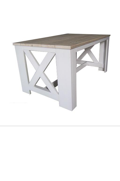 •Met de hand vervaardigde eettafel gemaakt uit nieuw en oud steigerhout. •Eettafel heeft de afmetingen 160 x 100 x 80. •Tafelblad is gemaakt van oud steigerhout. •Kopse kanten van de tafel heeft een kruis. •Onderstel van de tafel is geschilderd in de kleur krijtverf (RAL9010).