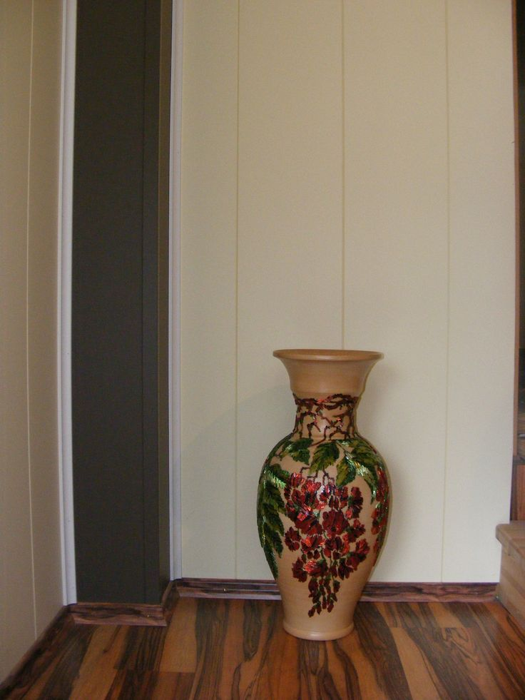 vases decorated with beaded