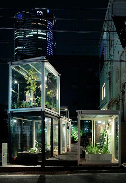 Roppongi stacked mini greenhouses - Urban Farm