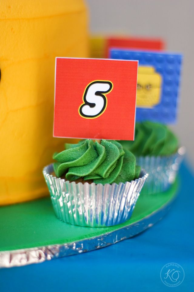 Lego cupcake toppers