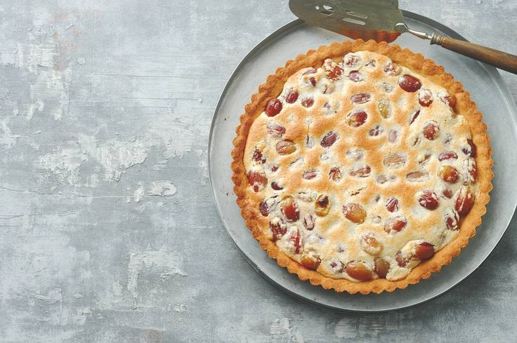 De druiven maken 'm zoet, het amandelschaafsel juist hartig: da's nog eens trakteren - Recept - Allerhande