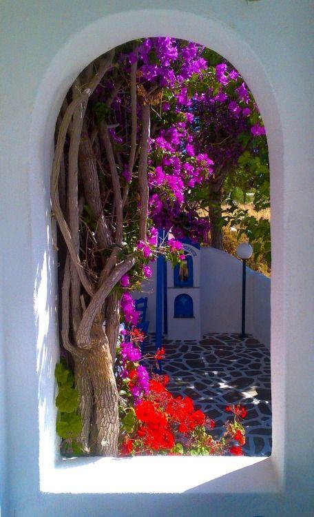 ↰✯↱lugares - Portal, Santorini, Greece photo via arielle
