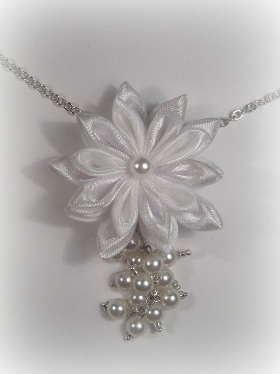 A set of jewelry for the bride by Avonessa on Etsy