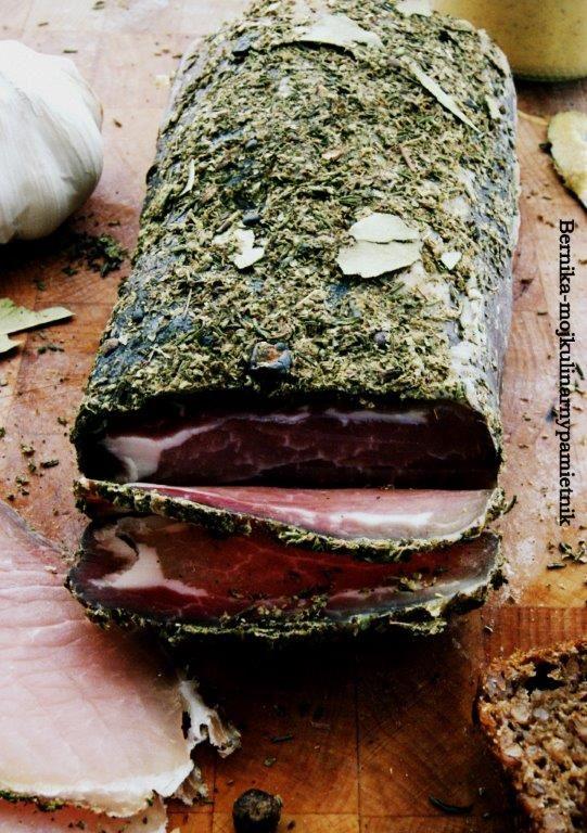 Pyszna, genialna, swojska wędlina w smaku prawie jak szynka szwarcwaldzka. Normalnie niebo w gębie.