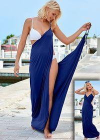 Tome el drapeado flirty, envolver alrededor, estilo a mayores longitudes! Venus envuelve el vestido maxi.