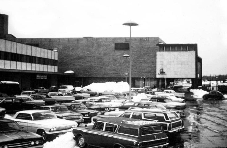 Stern's ~ Bergen Mall, ca. 1960's | Vintage Malls & Stores ...