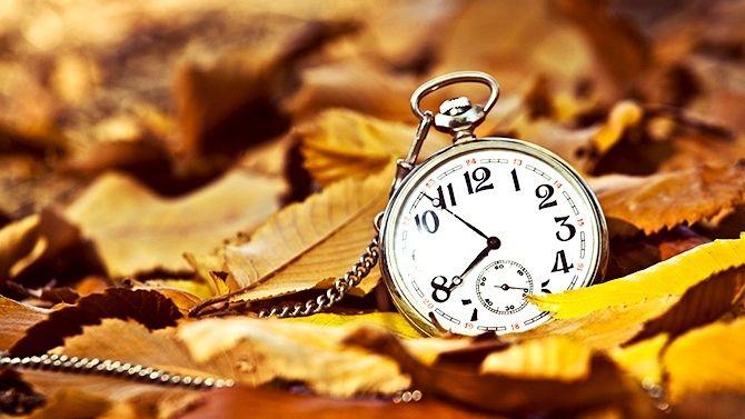 Print PDF  Changement d'heure : quels impacts sur notre santé ? Chaque année, c'est le même rituel. Durant le dernier week-end d'octobre, nos montres doivent être retardées d'une heure pour le fameux passage à l'heure d'hiver. Perturbations du sommeil...