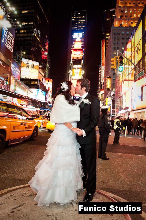 ネオンが煌くタイムズスクエアで♡アメリカでの結婚式一覧♡ウェディング・ブライダルの参考に♪