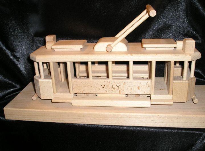 Straßenbahnen aus Holz fur Kinder mit text Gravur