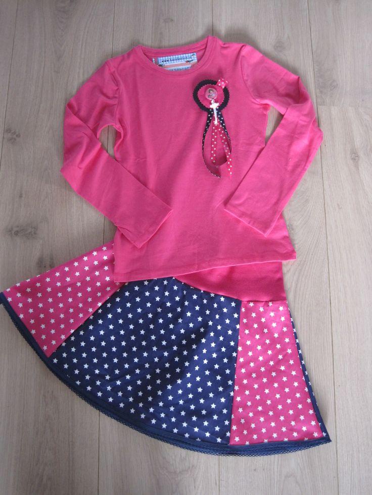 Rokje en shirtje met button. Patroon van het rokje is binnen kort verkrijgbaar bij band en lint
