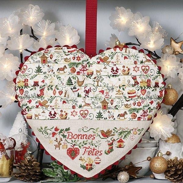 Grand cœur «Contes de Noël» à broder au point de croix Les Brodeuses Parisiennes