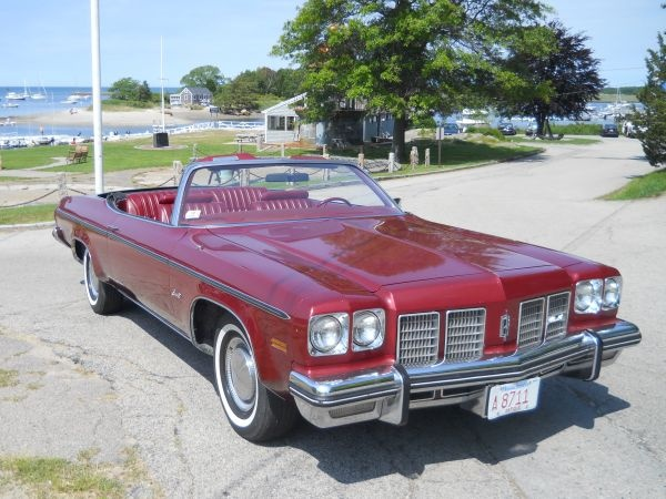 1975 Oldsmobile Delta 88 Royale Convertible.