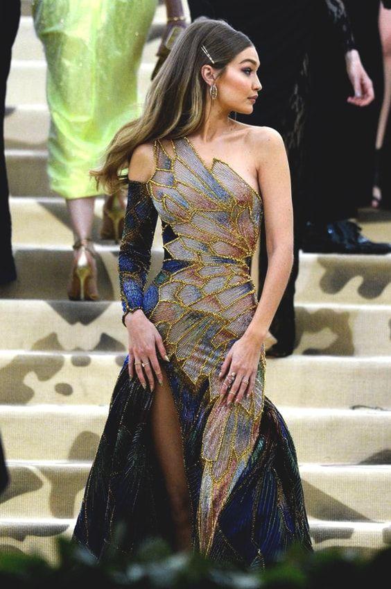 Gigi Hadid Met Gala 2018 Outfit Ideas In 2019 Versace