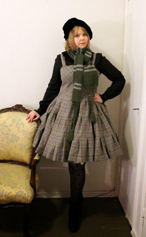 Päivänvarjon alla: Lolita blog carnival: Book inspired coordinate.