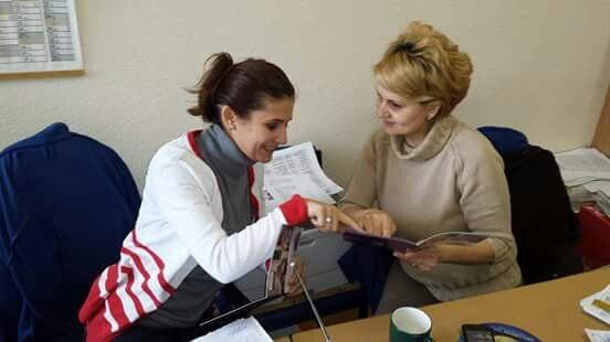 Încântată după ce a testat stația de călcat #PhilipsPerfectCare (primită de mine în campania de testare gratuită BUZZStore și Acasă cu Philips), Raluca a prezentat-o și ea mai departe lui Carmen.