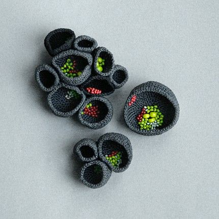 These are stunning. I wish my crochet skills were this refined!   nest brooches- Lana Bragina