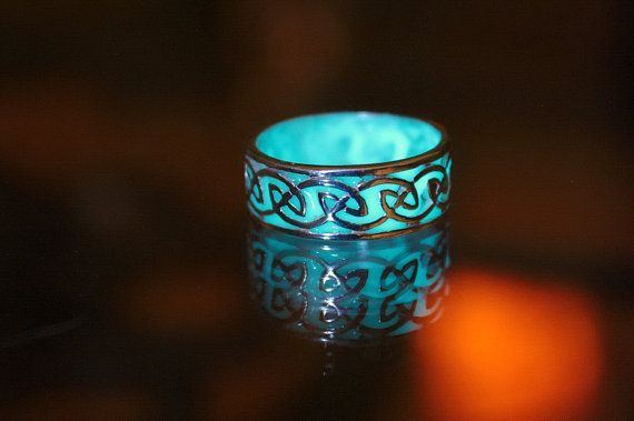 CELTIC sterling silver ring GLOW in the DARK von Papillon9 auf Etsy