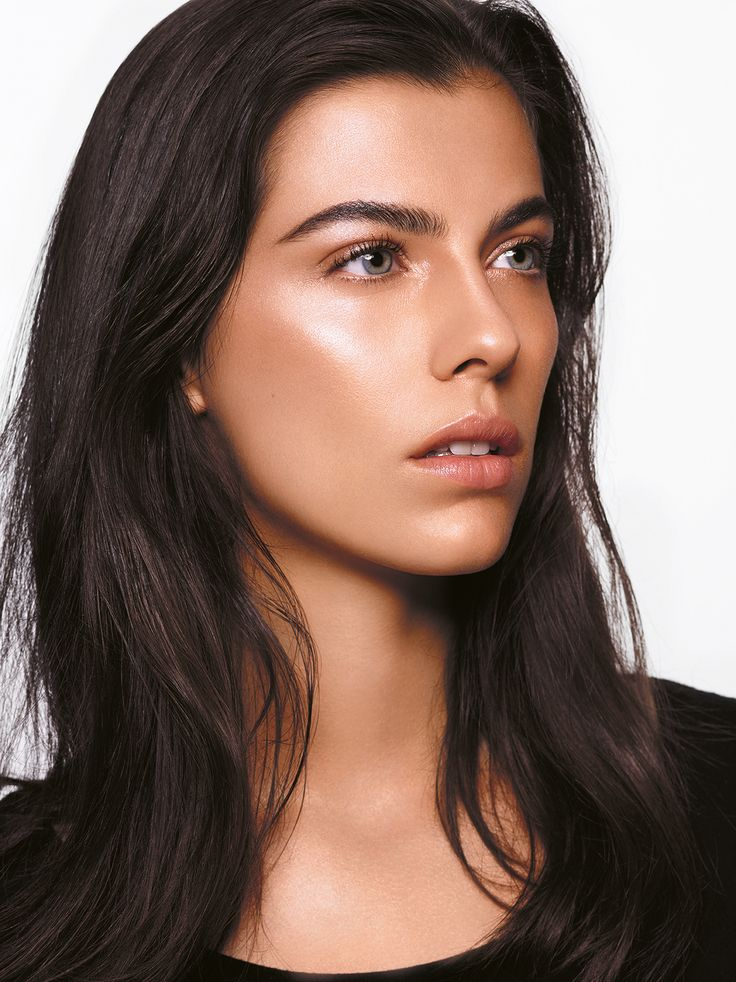 Instant Eclat: a magnified nude skin effect…