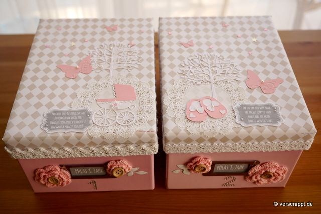 Memory-box-Erinnerungsbox-Fotobox-Fotokiste-Vintage-Shabby-Fotoalbum-Foto-Box-Album-Baby-Geburt-Babyalbum-rosa-lila-Häkelblume-Häkeln-Knopf-Blümchen-Schild-Nummer