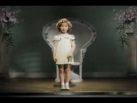 """Addio """"Riccioli d'oro"""": è morta l'attrice Shirley  Temple http://tuttacronaca.wordpress.com/2014/02/11/addio-riccioli-doro-e-morta-lattrice-shirley-temple/"""