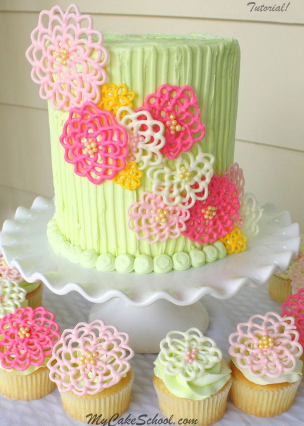 Floral cake and cupcakes with Wilton Candy Melts #yum #candymelts #wilton