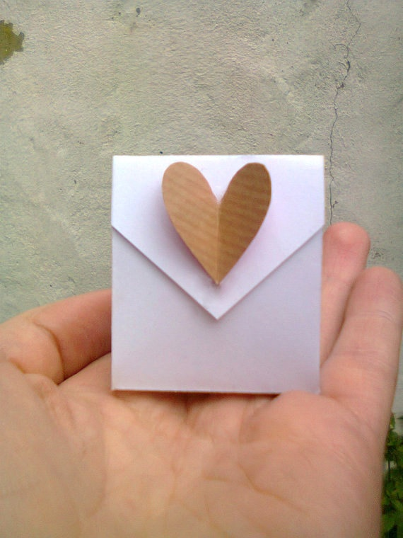 Set of 20 origami wedding favours - envelope bags with heart detail