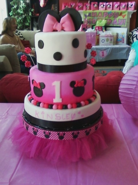 First Birthday - Minnie Mouse cake