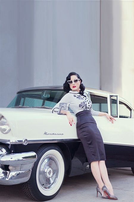 1940's Inspired DITA VON TEESE CARDIGAN in Silver with Black Trims