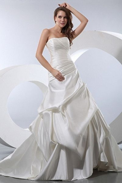 A-Line Sweetheart Ivory Bridal Gowns sfp0572 - http://www.shopforparty.com/a-line-sweetheart-ivory-bridal-gowns-sfp0572.html - COLOR: Ivory; SILHOUETTE: A-Line; NECKLINE: Sweetheart; EMBELLISHMENTS: Ruched; FABRIC: Satin - 183USD