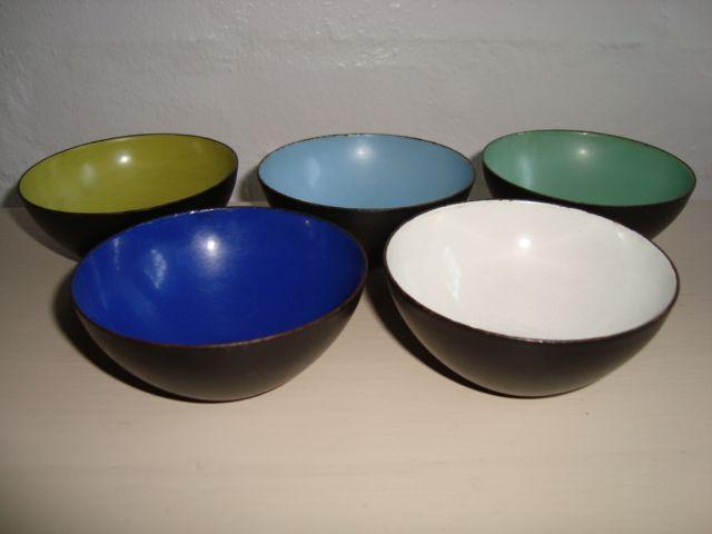 "HERBERT KRENCHEL original ""Krenit"" Danish design retro bowls - 1950s. Enamel. #Krenchel #Krenit #bowls #1950s #Danish #design #enamel #skaale #emalje #dansk. SOLGT."