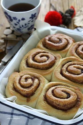 Da tempo volevo preparare i Cinnamon rolls , credo da quando ho aperto il blog ma sempre per motivi diversi non sono mai riuscita! Ma ora eccomi qua...con una ricetta fenomenale che vi farà sfornare i famosi dolcetti svedesi profumati alla cannella, soffici come non mai! Ho seguito quella delle m…