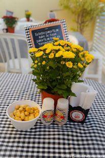 enfeites personalizados e mesa decorada Festa Boteco