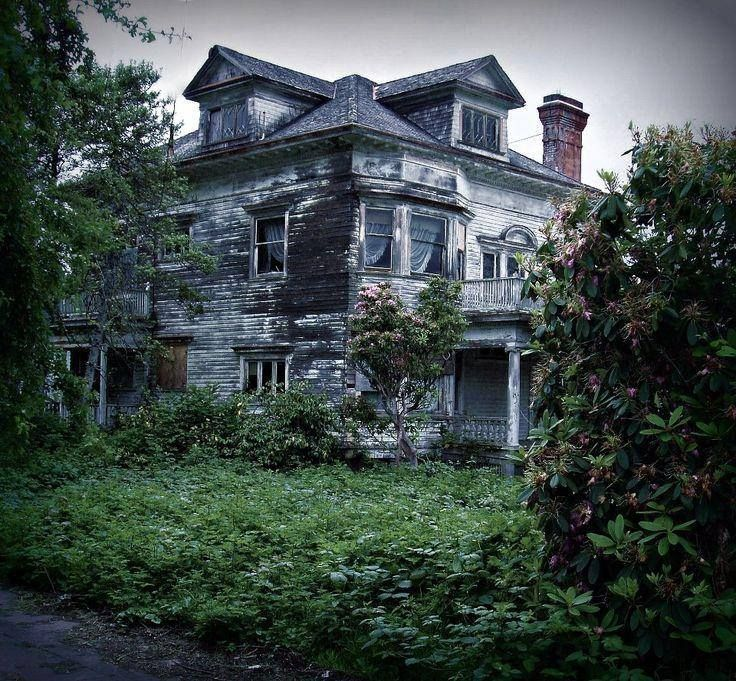 Abandoned Homes, Castles And Insane Asylumes