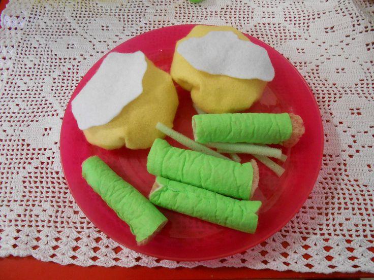 felt food: piatto tipico rumeno (Sarmale e mamaliga ovvero involtini di cavolo e polenta)
