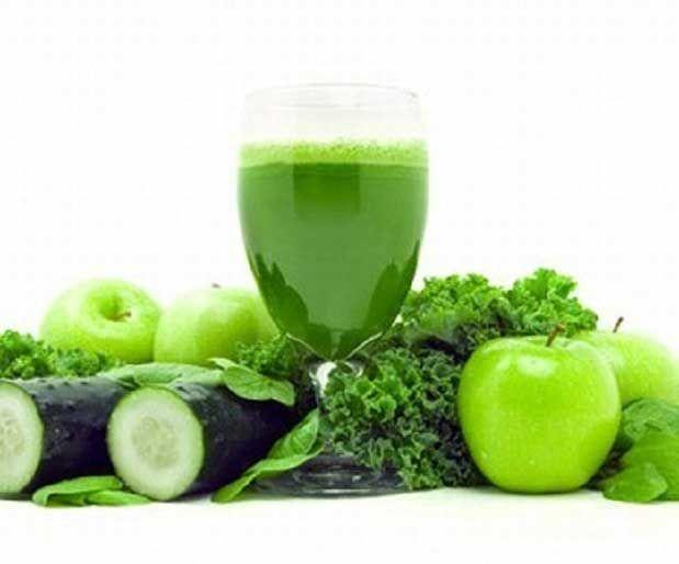 Yeşil Sebze SuyuTam bir kalsiyum deposu, vitamin ihtiyaçları açısından çok çok faydalı çiğ sebze suyu. Malzemeler : 3 – 4 yaprak pazı 1 avuç semizotu 1 avuç ıspanak 3-4 adet salatalık (kabuklarıyla) 3-4 çiçek brokoli 2-3 adet kereviz sap ve yaprakları 1 adet limon (kabuksuz) Az miktar himalaya tuzu Yazının Devamı: Yeşil Sebze Suyu | Bitkiblog.com Follow us: @bitkiblog on Twitter | Bitkiblog on Facebook