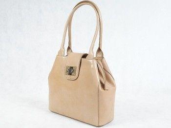 Kuferek damski Vera Pelle 5476 Włoska torebka wykonana z naturalnej skóry licowej w kolorze beżowym.