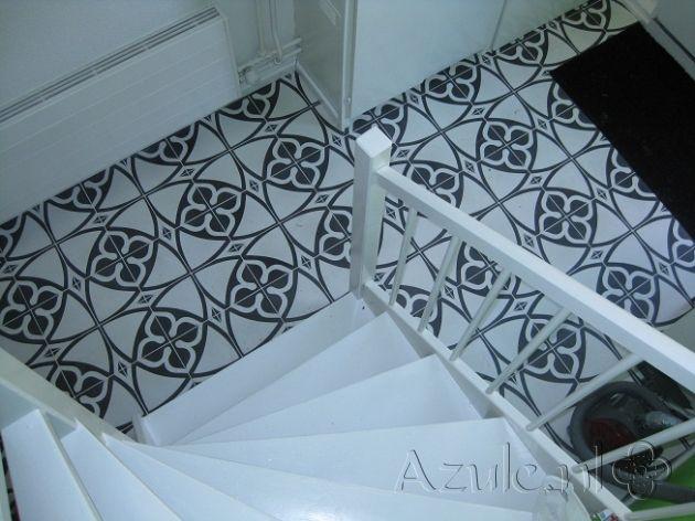 Cement tiles Hall - Chateau 03 - Project van Designtegels.nl