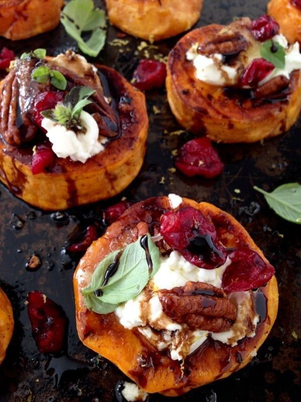 Sweet Potato Rounds Recipe with Goat Cheese, Cranberries & Balsamic Glaze | Community Post: 21 Goddess Appetizers For A Girls' Night In