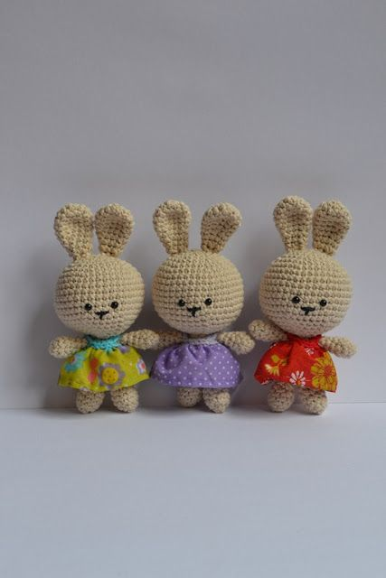 It is a world Amigurumi: Free Pattern Easter Bunny!!