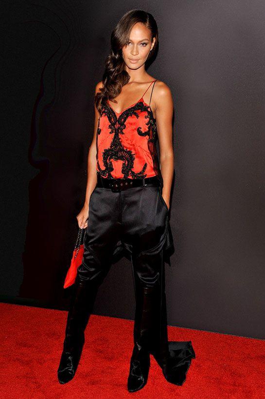 Joan Smalls en Givenchy http://www.vogue.fr/mode/look-du-jour/articles/joan-smalls-en-givenchy/15740