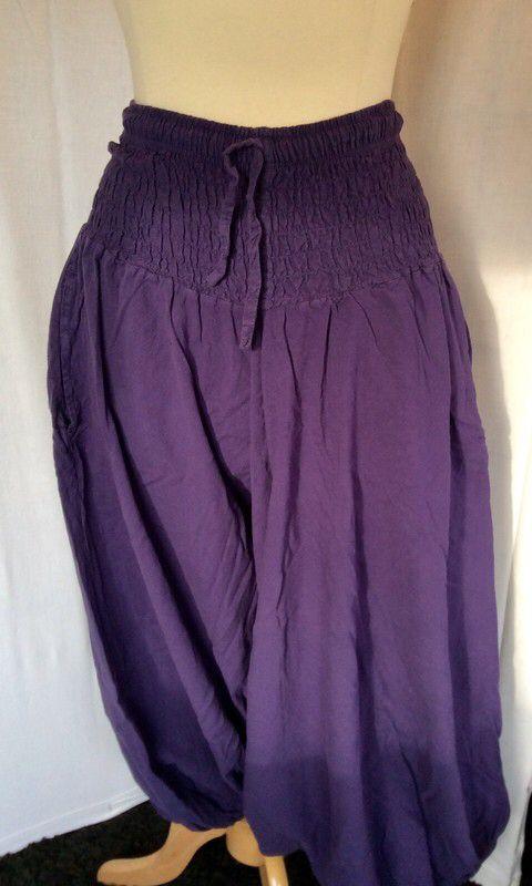 Sarouel Pantalon Jupe Violet TU Neuf de marque coline. Taille Universel à 10.00 € : http://www.vinted.fr/mode-femmes/sarouels/61379475-sarouel-pantalon-jupe-violet-tu-neuf.